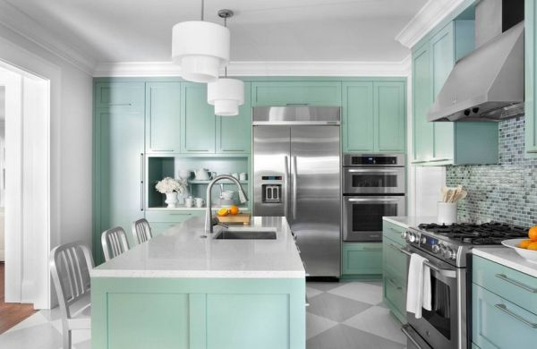 Contemporary-kitchen-draped-in-Aquamarine-A-lighter-side-of-turquoise